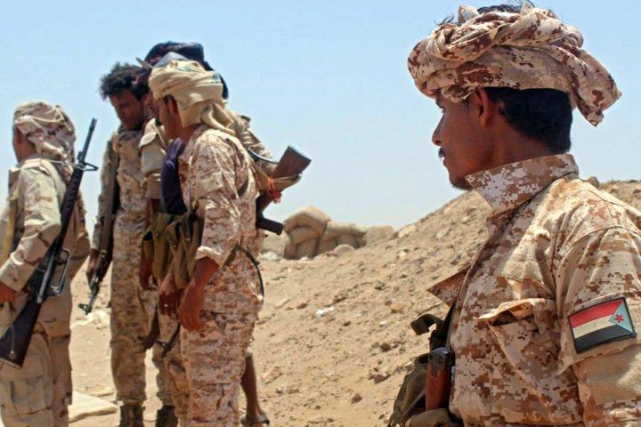 """بدعم إماراتي .. قوات """"الانتقالي"""" تقتحم مديرية أمن سقطرى اليمنية"""