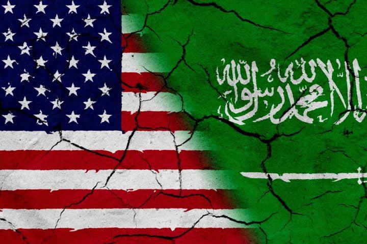 سعودي يفر بأطفاله وزوجته الأمريكية تطالب بلادها بالتدخل لاستعادتهم