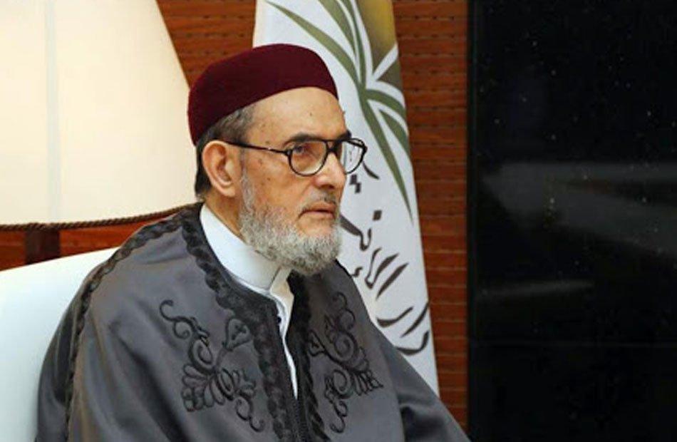 """مفتي ليبيا يشن هجومًا على أبوظبي ويمدح """"الأتراك الأشقاء"""