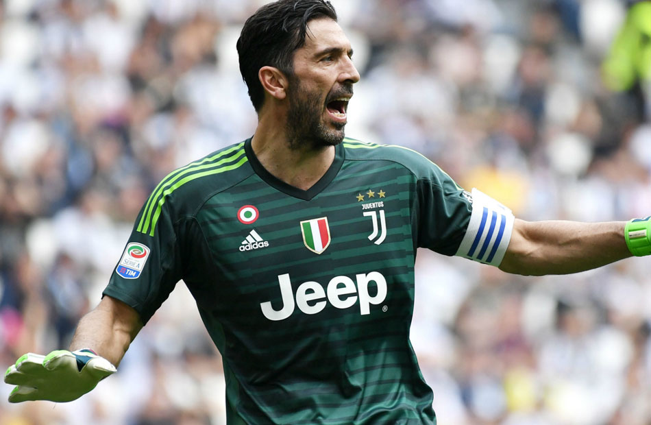 """بوفون سيد إيطاليا الجديد .. حطم رقم """"مالديني"""" القياسي في """"الكالتشيو"""""""