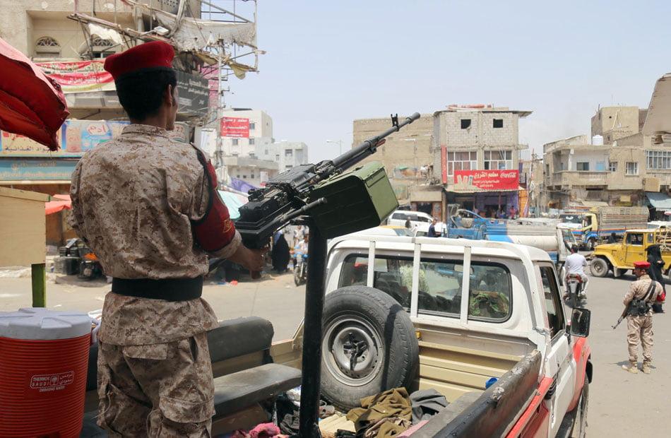 بدعم إماراتي .. مليشيا مسلحة تهاجم الشرطة العسكرية بتعز اليمنية