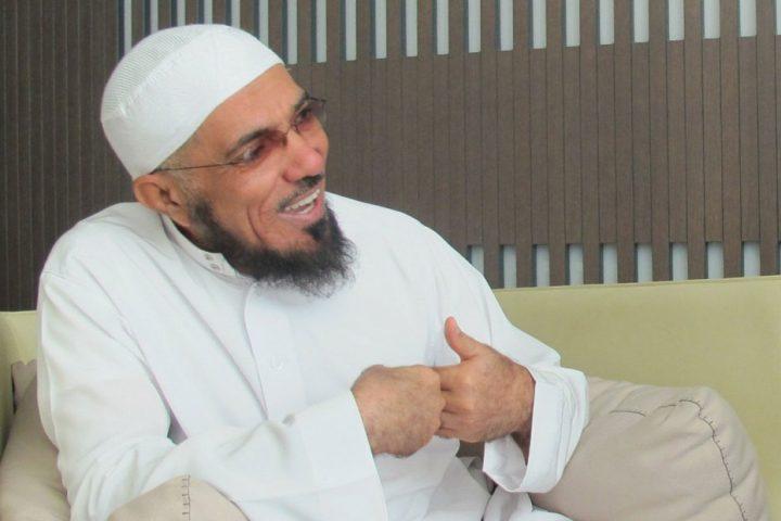 """بجمع انتهاكات النظام ضده .. أسرة """"سلمان العودة"""" تنوي مقاضاة السعودية"""