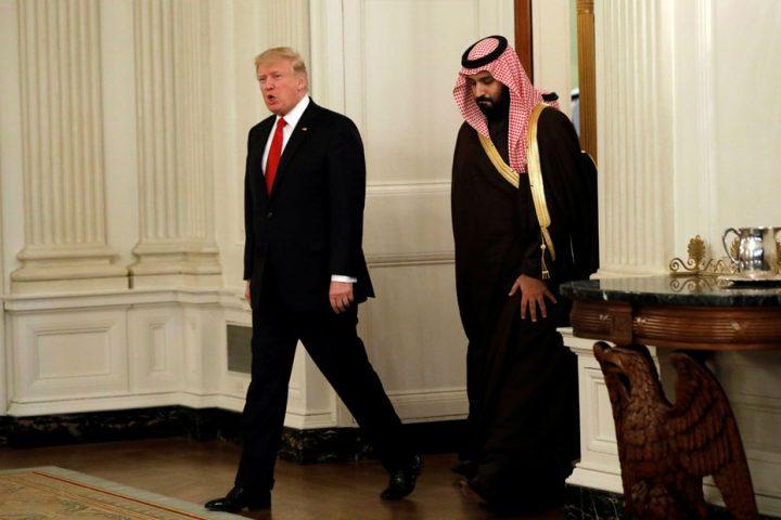 ترامب في مأزق .. مطالبات بالكشف عن صفقات جانبية مع مبيعات الأسلحة للسعودية