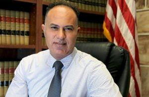 لجرائمهم ضد الإنسانية.. محامي فلسطيني يشكو حفتر والإمارات أمام الجنائية الدولية