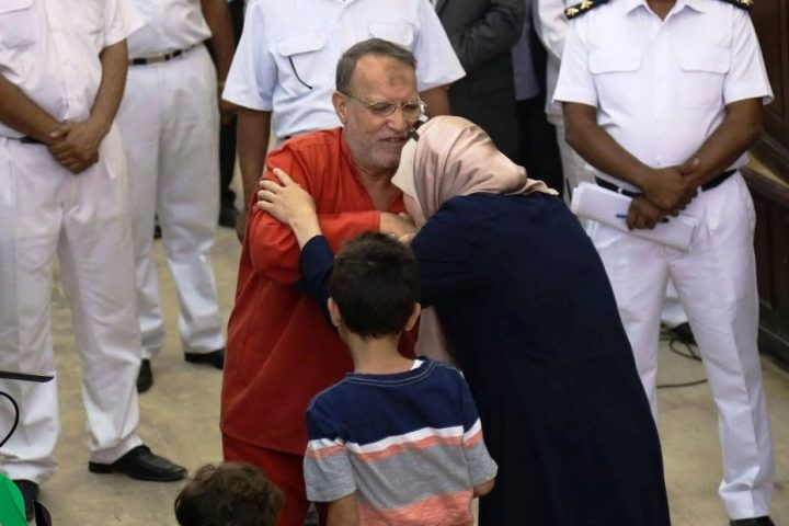 أهملوا علاجه حتى الموت .. وفاة القيادي الإخواني البارز عصام العريان بسجن العقرب