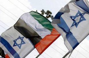 الإمارات تتودد للإسرائيليين وتقرر تقديم الطعام اليهودي على طائراتها