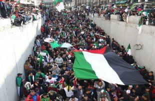 بخلاف الإمارات والبحرين .. الجزائر: لن نبارك أو نشارك في الهرولة نحو التطبيع