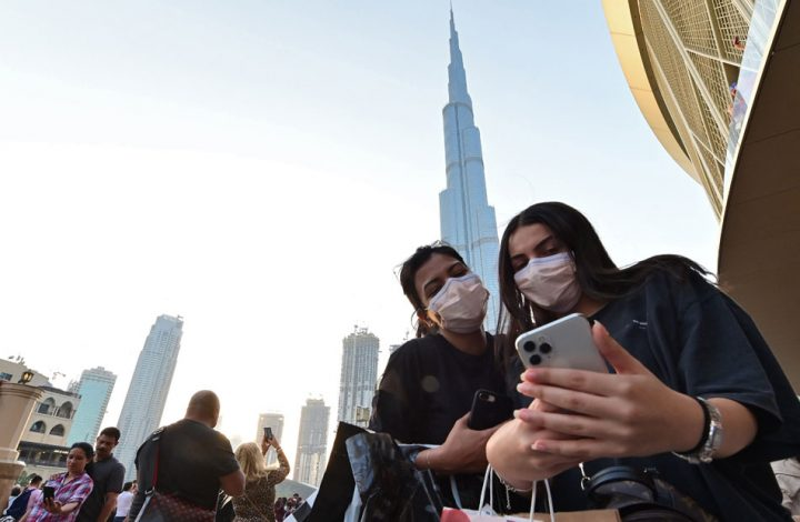 الإمارات تسمح للمقيمين والسياح بشراء وحيازة الخمور