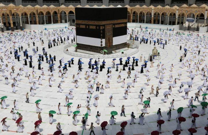 بعد توقف7 أشهر .. السعودية تنشر خطتها لإعادة العمرة تدريجيا