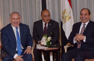 صحفي إسرائيلي يهدد الشعب المصري باحتلال سيناء حال رحيل السيسي