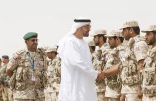 الإمارات تواصل تنفيذ أطماعها وتنقل 100 من مسلحي الانتقالي الجنوبي إلى سقطرى