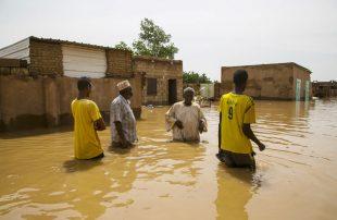 السودان يغرق.. الأزمة مستمرة وحصيلة الفيضانات تتجاوز 100 قتيل وانهيار 70 ألف منزل