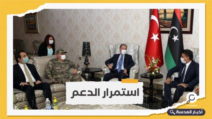 وزير الدفاع التركي يزور طرابلس رفقة رئيس الأركان