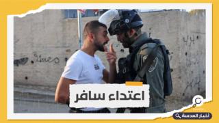 محتلون يعتدون على أهالي حي الشيخ جراح بغاز الفلفل