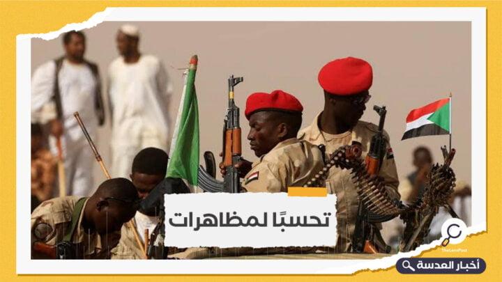 الجيش السوداني يغلق الطرق المؤدية لمقر قيادته بالخرطوم