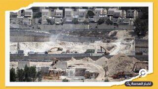 رئيس الوزراء الصهيوني يجمد بناء المستوطنات بأمر من الولايات المتحدة