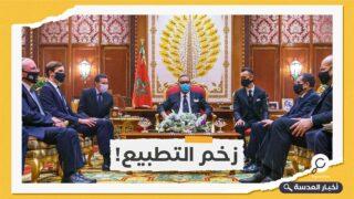 ملك المغرب يتطلع لتعزيز العلاقات مع الاحتلال